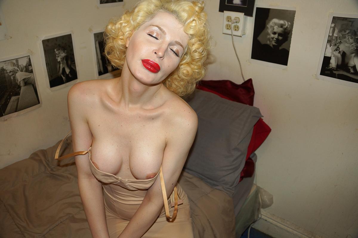 Gary Beeber usa mona breasts phosmag online magazine photography